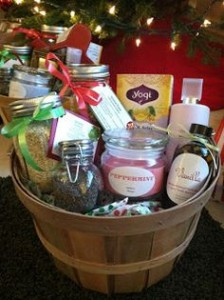 DIY Easy Christmas Gift Basket for Parents