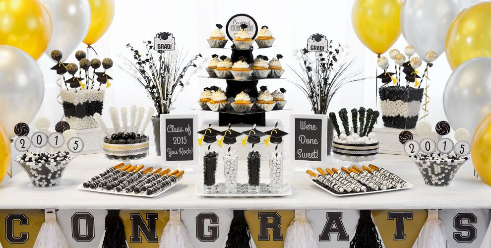 setting the table for the party - Graduation Party Decoration Ideas