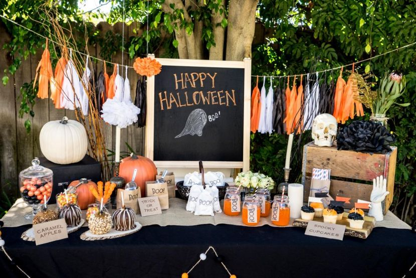 8+ Innovative Ideas for Halloween Table Decorations