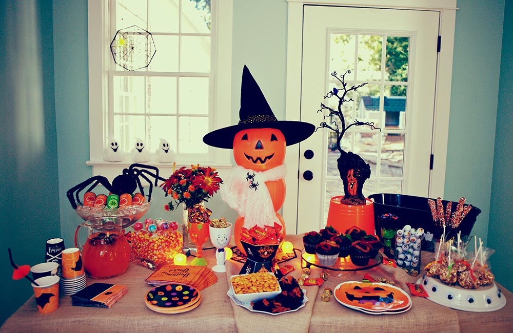 Traditional Halloween Party Games