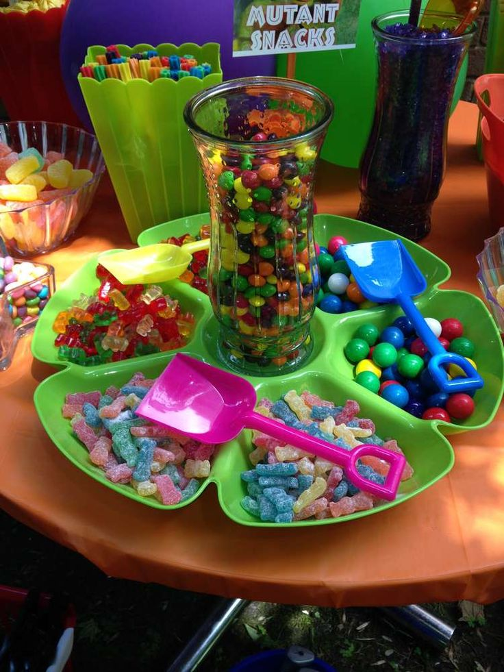 Candy Themed Decoration Ideas Part - 46: Candy Bar Party Game