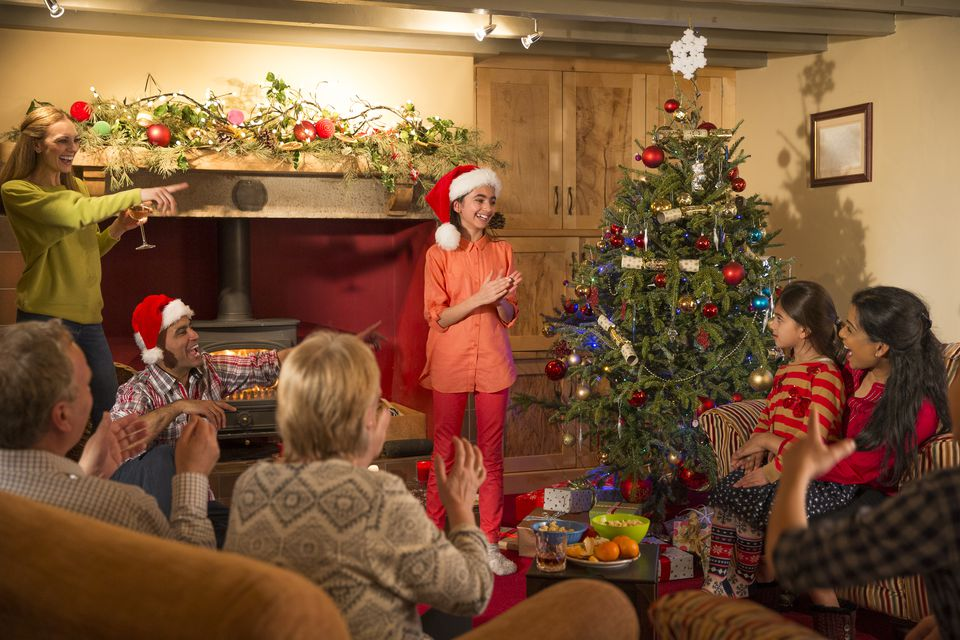 8 Cool Christmas Party Games for Kids | Games and Celebrations